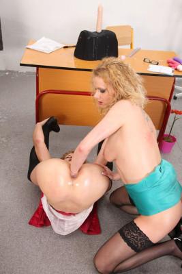 Teacher punishes girl