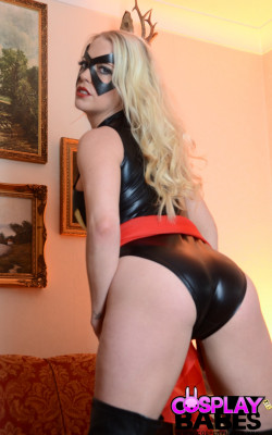 Ms Marvel loves it nude