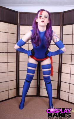 Cosplay babe Psylocke