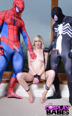 Babe fucked by Spiderman