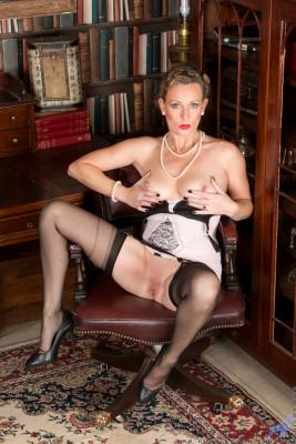 Mrs Huntingdon Smythe