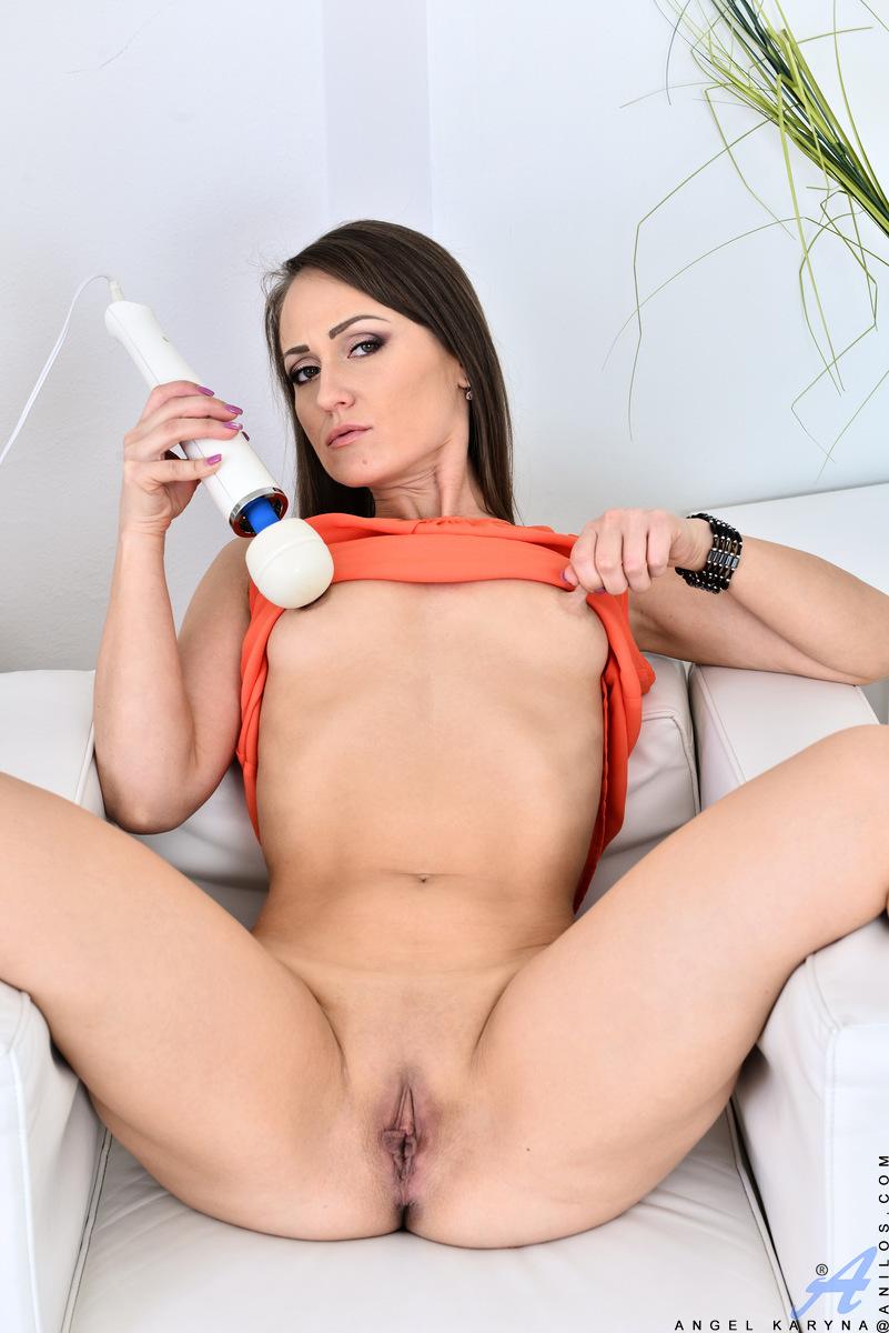 geile-mutti-masturbiert