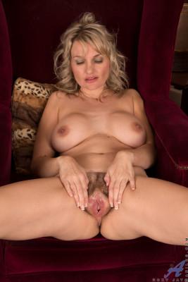 Roxy Jay