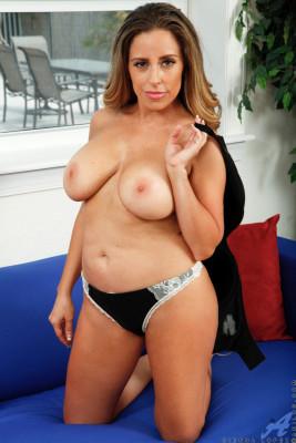 Sienna Lopez